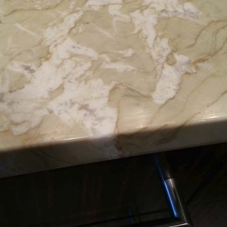 Beige Marble Edge With Nick Fill Up