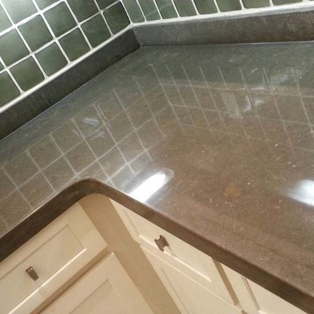 Brown Limestone Countertop Diamond Buffing to Gloss