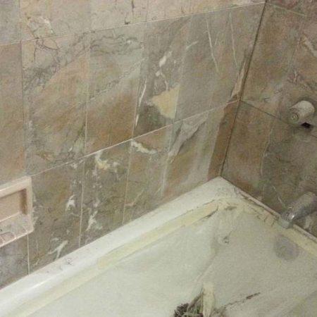 Brownish Yellow Beige Marble Walls Bathtub Erosing