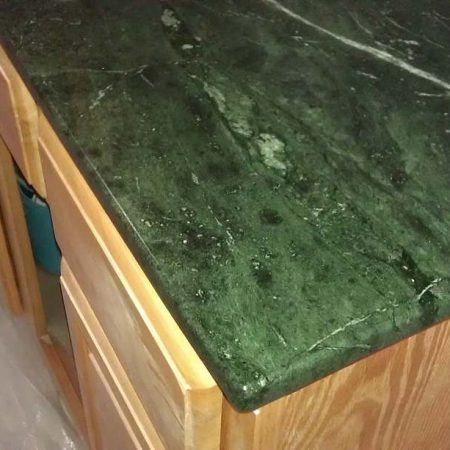 Edging on Green Serpentine Mini Countertop