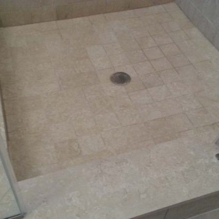 Mold Removal & Grout Cleaning