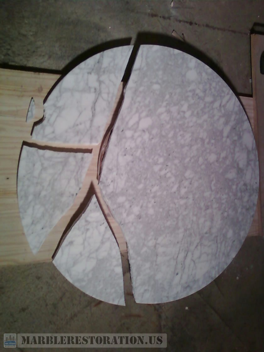 Mid Size Round Table with 4 Cracks