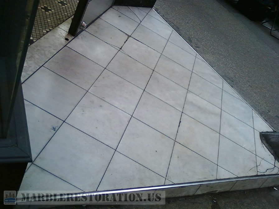 Fresh Store Tiled Step