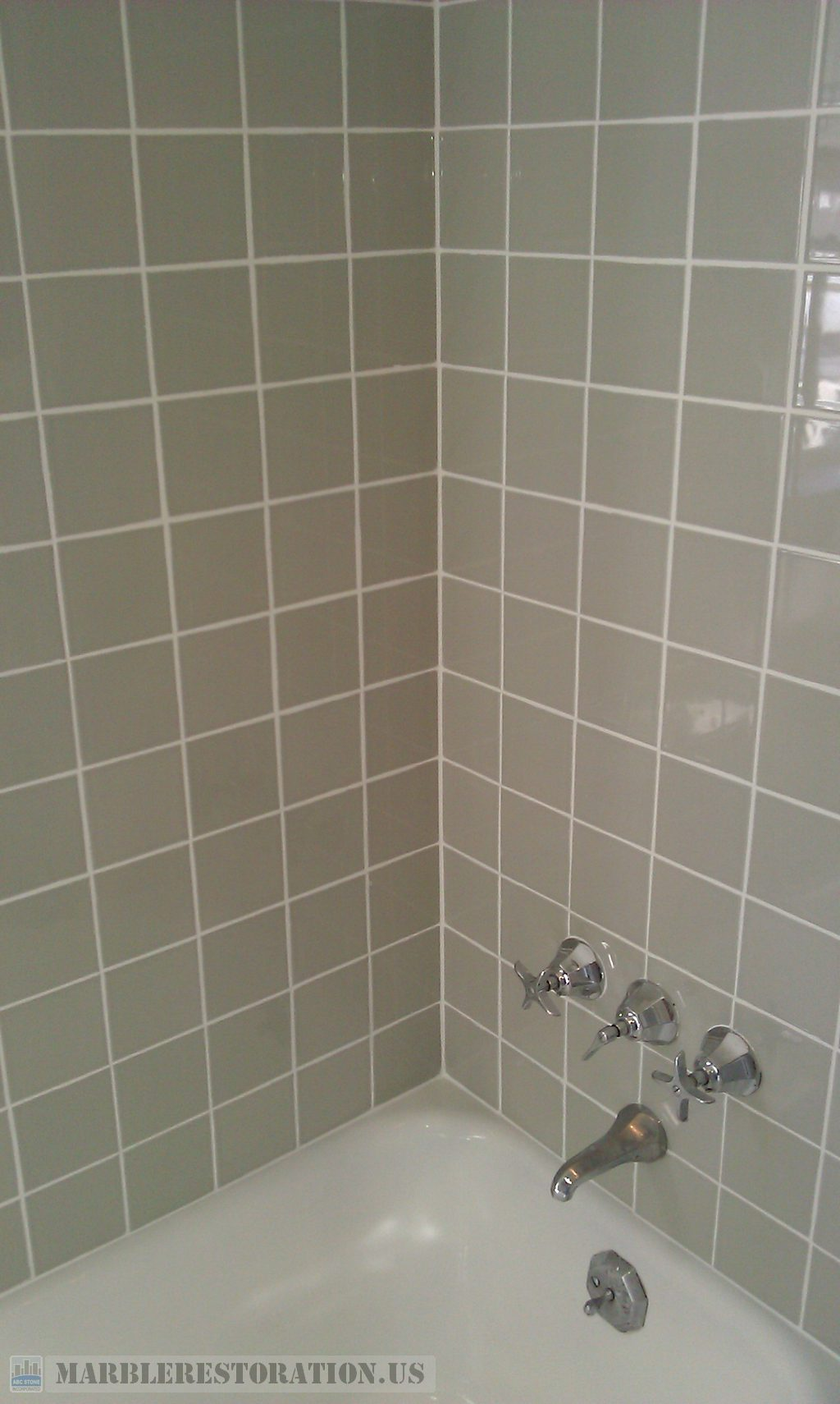 Ceramic Bathtub Tiled Walls After Regrouting Recaulking