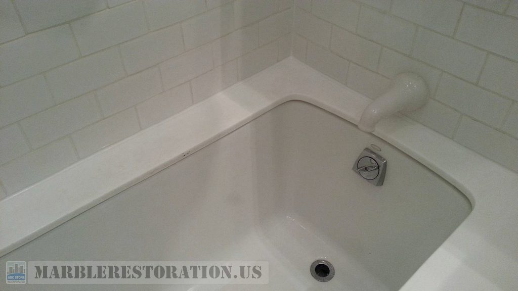 White Glass Bathtub Top After Recaulking